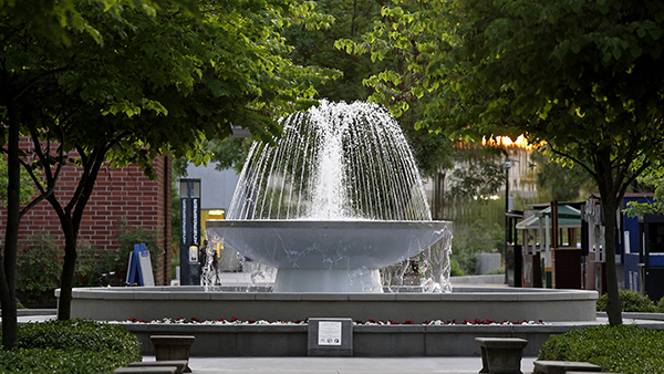 The fountain at Fresno State.